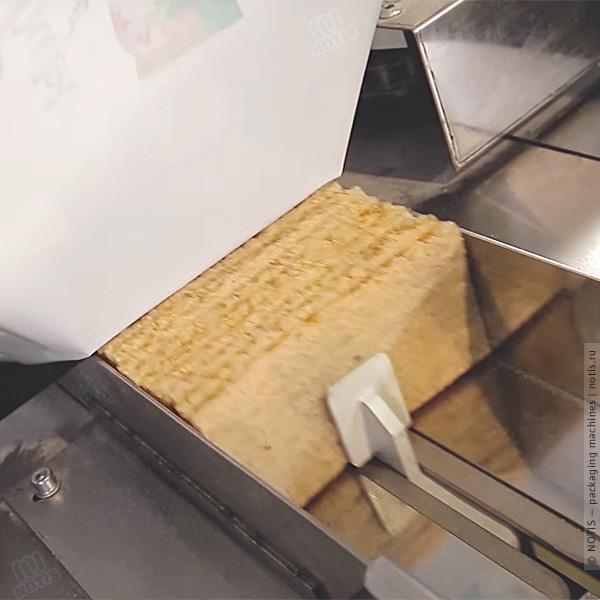 хлебцы перпендикулярно продольному шву